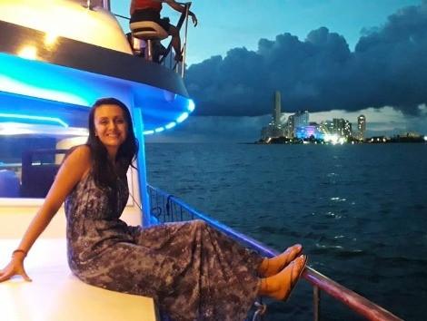Paseo en Barco al Atardecer por la Bahía