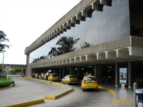 Ernesto Cortisso Airport Roundtrip Transfer