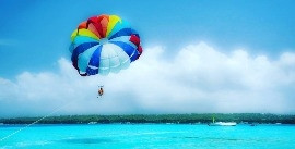 Parasailing in San Andres
